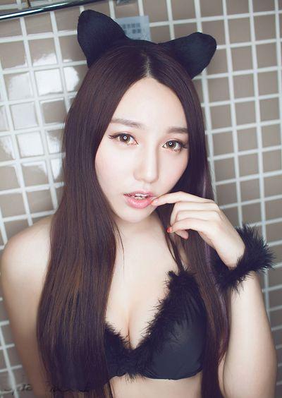 嫩模刘奕宁lynn内衣性感写真 化身诱惑撩人小野猫