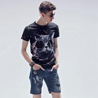 男生卡通印花图案T恤打扮 潮流大男孩