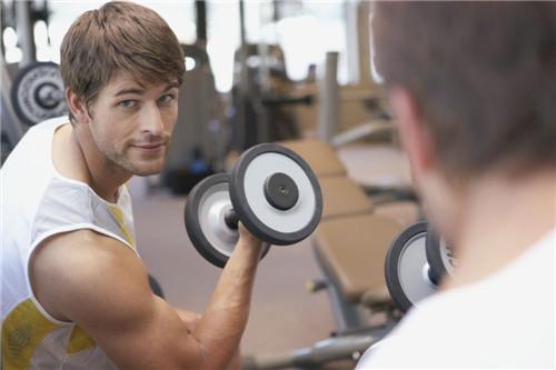 哑铃锻炼的好处 用哑铃锻炼的误区(2)