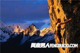 攀岩运动怎么玩 看攀岩的技巧
