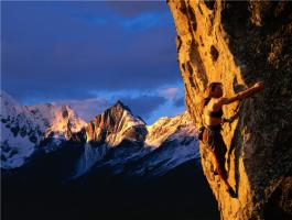 攀岩的好处和技巧 怎么学习攀岩