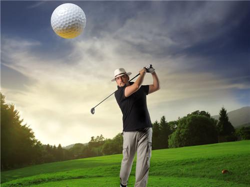 正确的高尔夫挥杆技巧