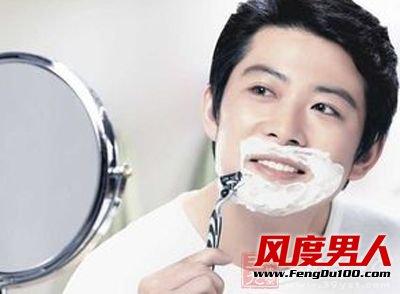 刮胡子是男人必做的事情,但是也得多多注意