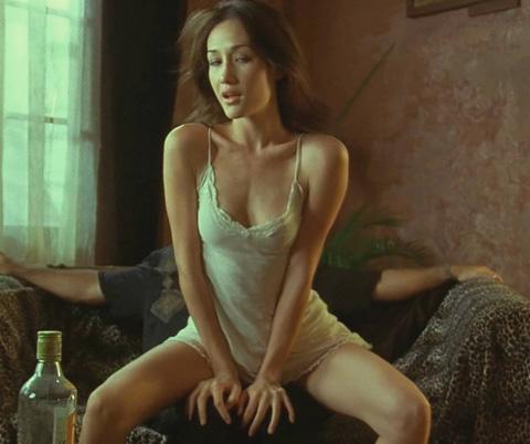 电影里惨遭凌辱的女明星 为电影献身的女明星