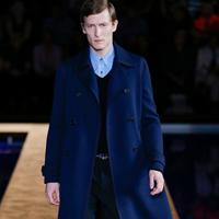 2015 年春夏季Prada男装刮起复古风潮