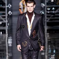 奢侈品牌Versace 2014秋冬季张扬与不羁男装秀