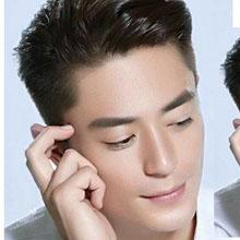 2016新款男明星发型 配白衬衫显颜值