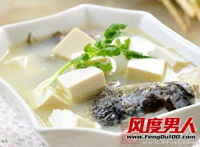 鱼+豆腐作用:味鲜,补钙,可预防多种骨病,如儿童佝偻病、骨质疏松症等