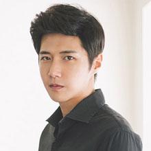 冬季韩系男生发型抢眼且有时尚感