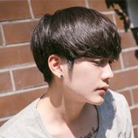 90后男生夏季齐刘海短发 可爱帅气的