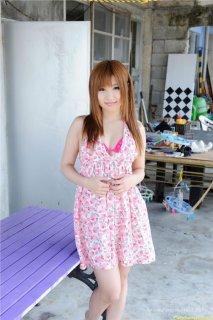日本美女暧昧粉色内衣三点写真迷情诱惑