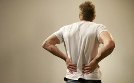 那些原因引起腰痛 腰痛怎么保养治疗