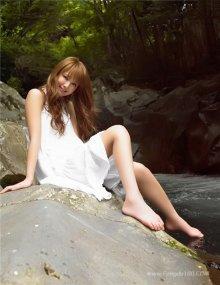 人气modle佐佐木希写真 精致脸庞性感美女图片