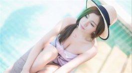 嫩模界的乳神刘娅希生活照写真