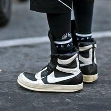 2016巴黎时装周街拍达人穿的潮鞋