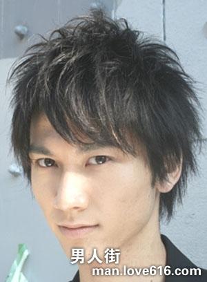 09年秋冬最新男士发型