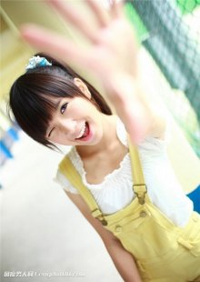 台湾小萝莉学生美女私服或少女水手服