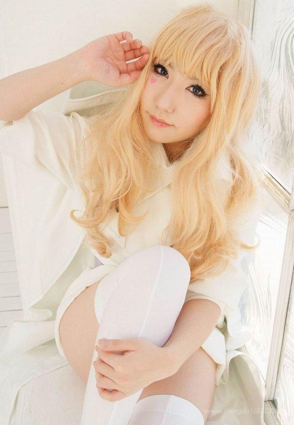 日本萌系美女筱崎爱比基尼写真 细沙掩盖不住的诱惑